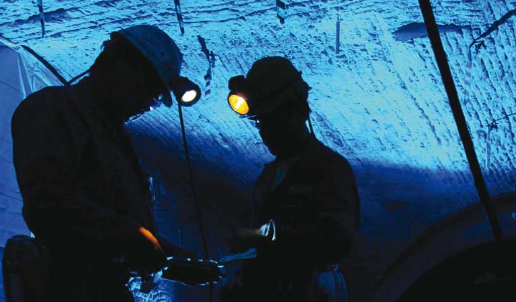 'Boom' minero en medio de la crisis política