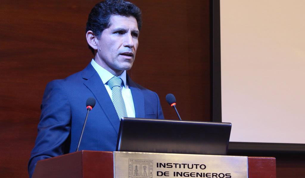 """Alberto Cárdenas: """"Hay que elevar el estándar de los trabajadores e integrarlos a la empresa""""."""