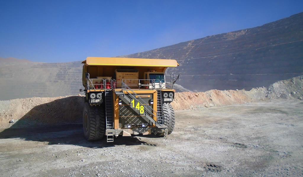 El primer camión minero Liebherr T 284 llega a Sudamérica