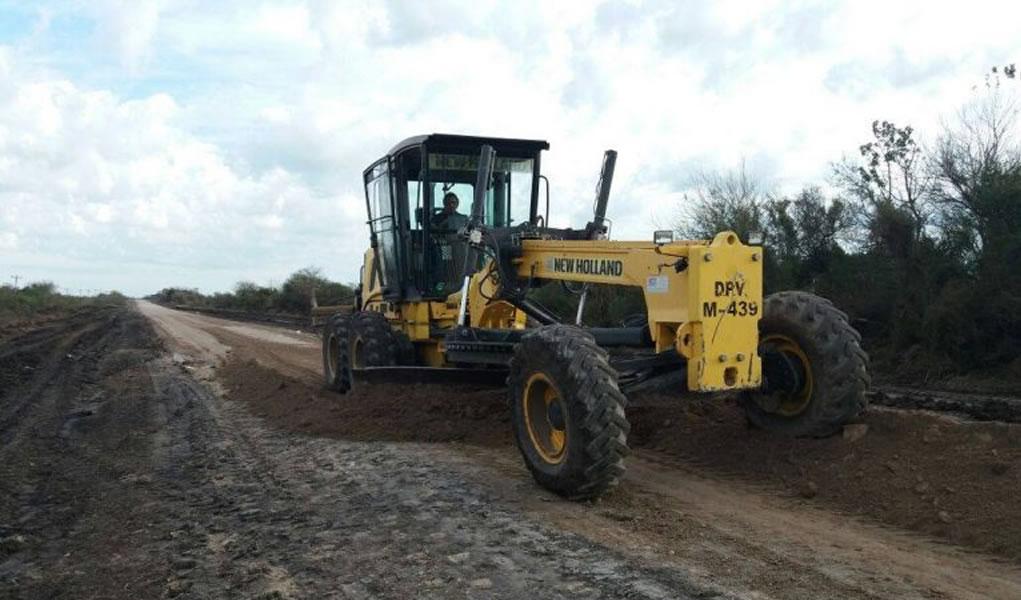 124 máquinas New Holland restauran caminos en Entre Ríos, Argentina