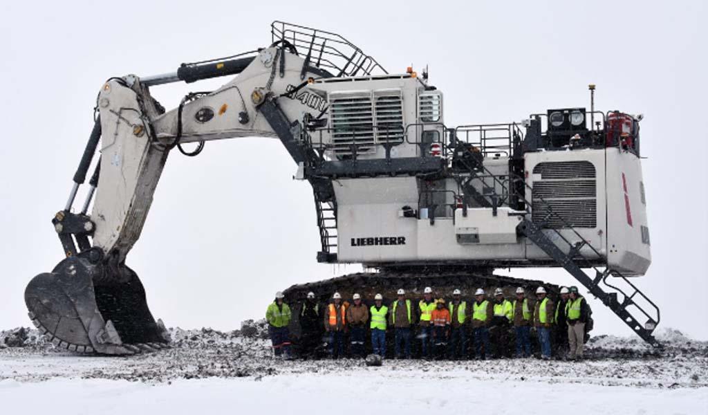 Excavadora Liebherr Tier 4F se abre paso