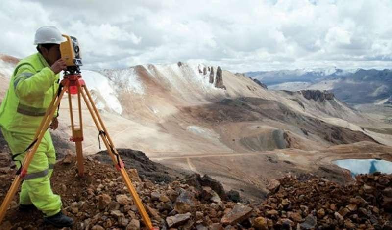 Otorgan permiso para excavación a minera Bear Creek en Corani