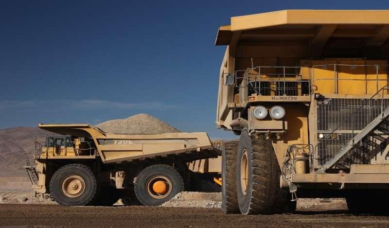 Mejoran oferta laboral para evitar huelga en mayor mina de cobre del mundo