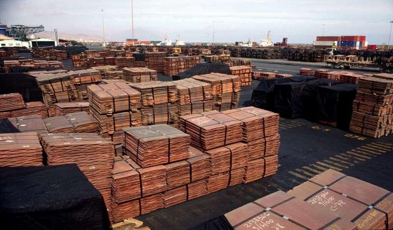 Cobre sube tras peor caída sectorial en 3 años por preocupaciones ante disputas comerciales