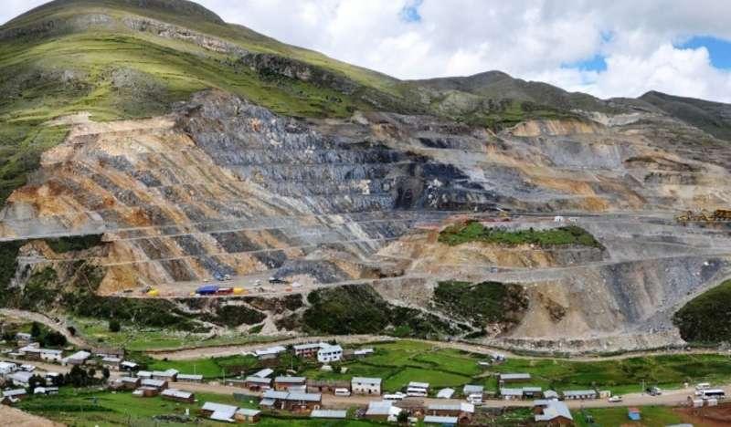 """Vizcarra: """"Nuestra meta es lograr inversiones mineras por más de US$ 21,000 mllns. al 2021"""""""