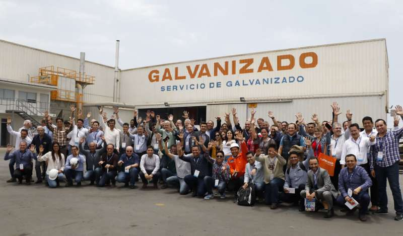 Empresarios  visitan planta de galvanizado de Tupemesa