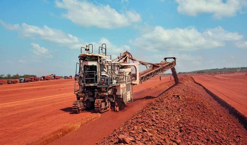 Guinea: la extracción de bauxita con máquinas Surface Miner incrementa la rentabilidad