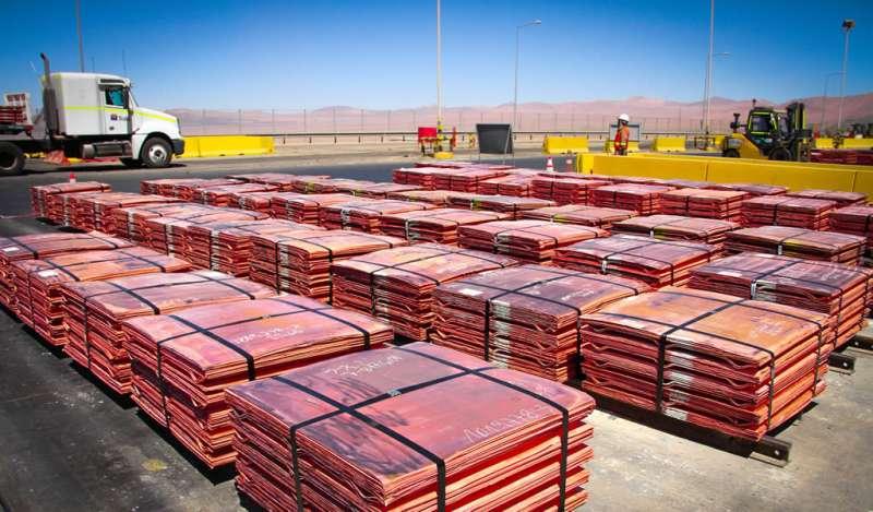 Goldman Sachs ajusta a la baja precio del cobre a tres meses