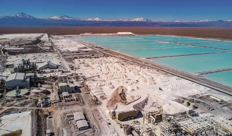 CHILE: Grupo Luksic inicia lobby por agua de la cuenca del Salar de Atacama y debate portuario