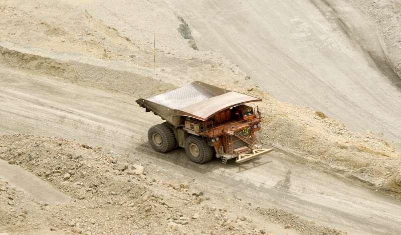 Regiones y municipios del Perú recibirán US$450M por adelanto de canon minero