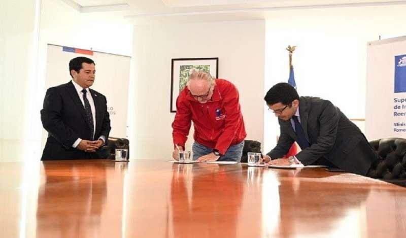 Chile firma convenio para prevenir la insolvencia en el rubro minero
