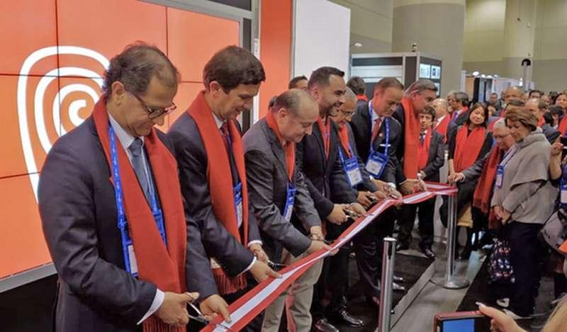 Ministro Francisco Ísmodes inauguró stand peruano en la convención de exploración minera PDAC 2019 en Canadá