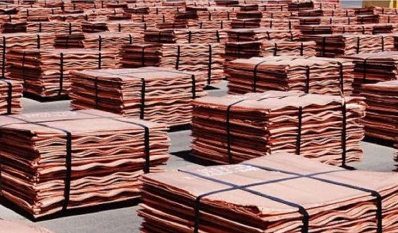 Cobre sube levemente en medio de dudas por la demanda global de metales