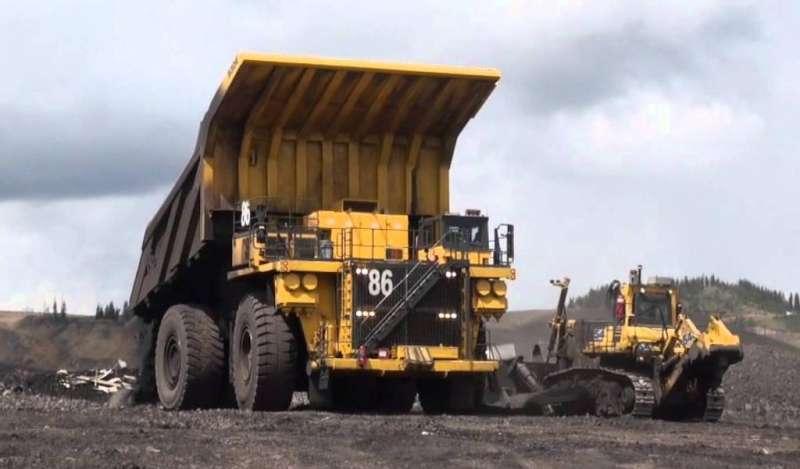 El camión autónomo Komatsu más grande del mundo arranca en Canadá
