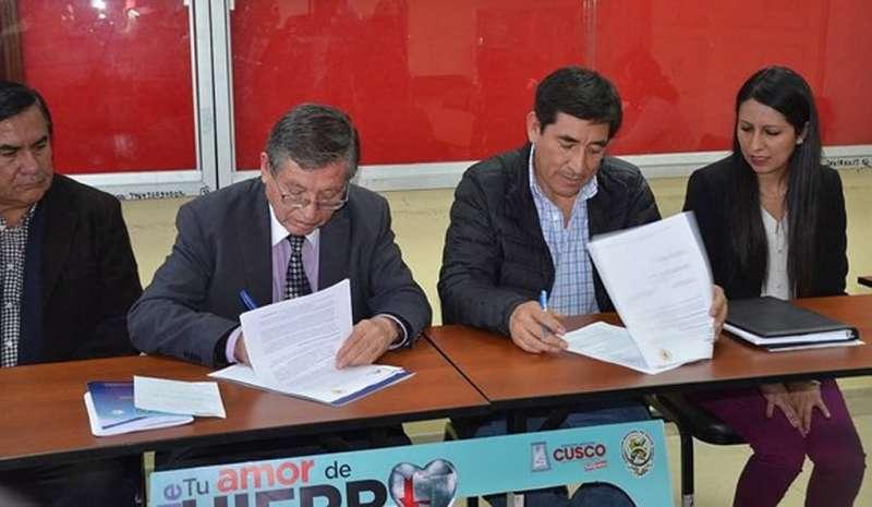 """Antapaccay  y DIRESA firman convenio """"Khaly Kawsay"""" para luchar contra la anemia"""