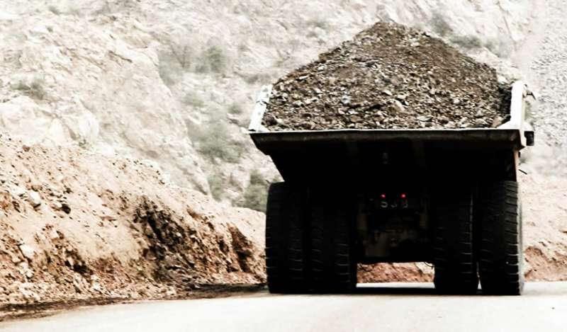 Economía de Chile se frena en primer trimestre por minería