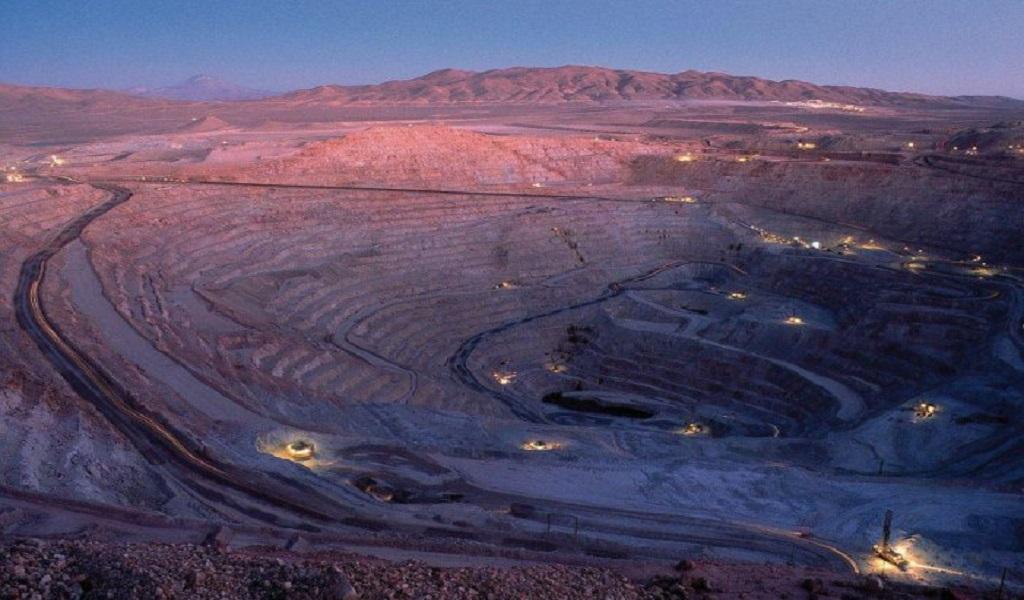 Producción de mayores mineras de cobre que operan en Chile cayó en enero – abril