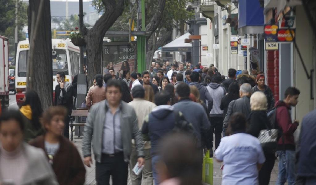 El 52% de peruanos apoya la minería, pero el 60% del sur se opone