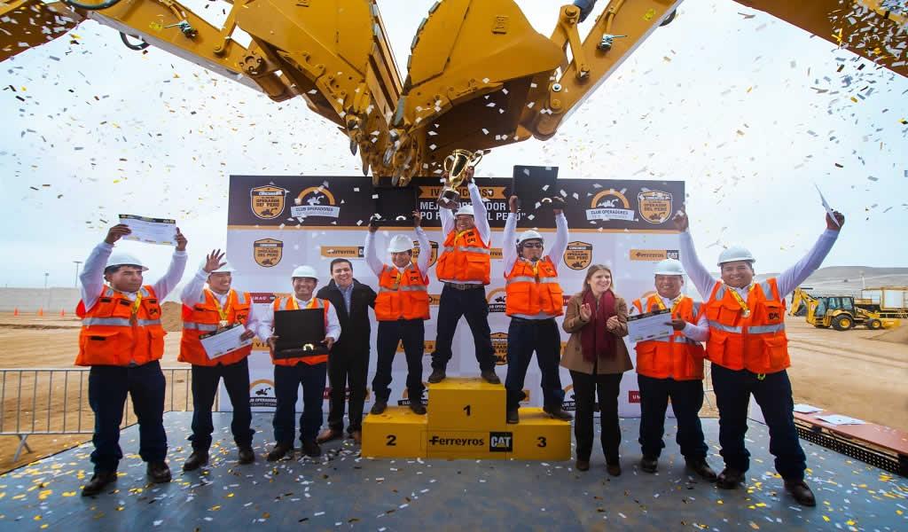 Ferreycorp premia a operadores que representarán al Perú en torneo de Caterpillar