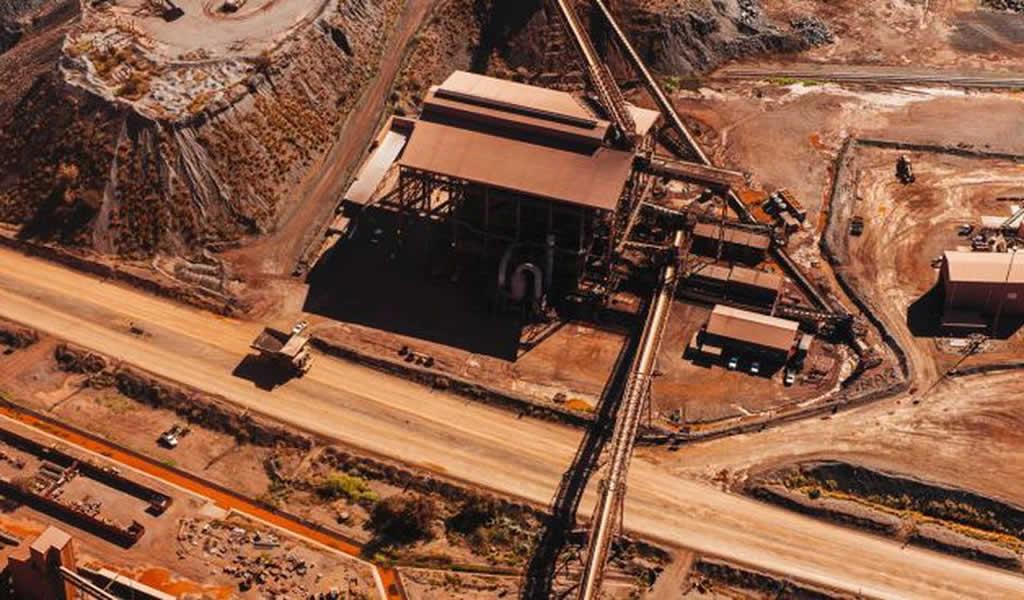 BHP alerta que agitación no ha terminado para mineral de hierro