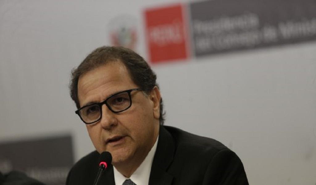 """""""No es cierto que la minería recupera más impuestos de los que paga"""", dice ministro Ísmodes"""