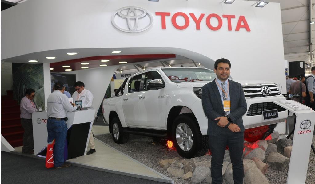 Toyota presenta en Perumin la nueva Hilux 2020