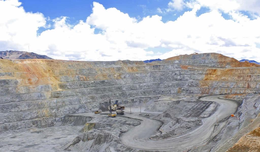 Minem transfiere 330 mil 500 soles a cuatro gobiernos regionales para gestiones mineras