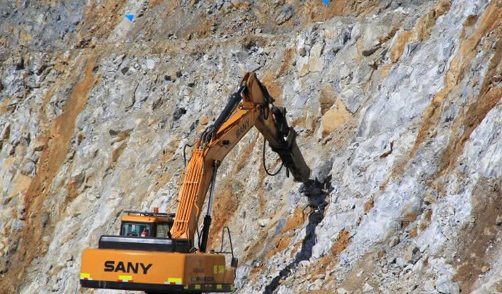 Canadiense Teck contrata a Barclays para vender participación en mina Zafranal
