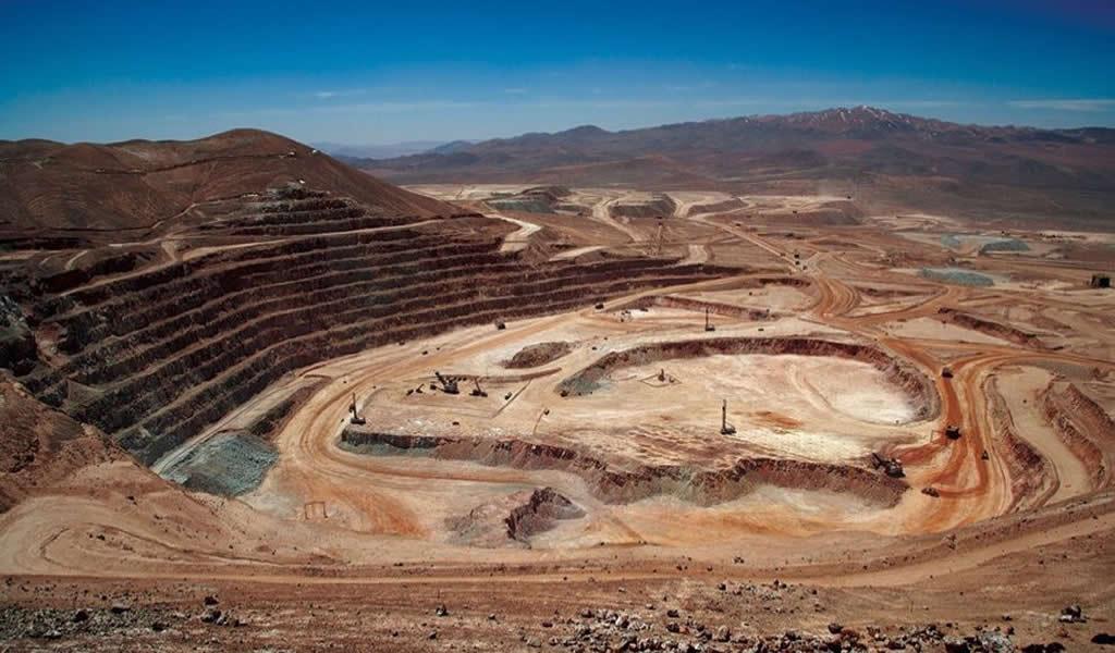 """Carlos Gálvez: """"Mineras tienen una carga de hasta 57%, entre IR, regalías y otros conceptos"""""""